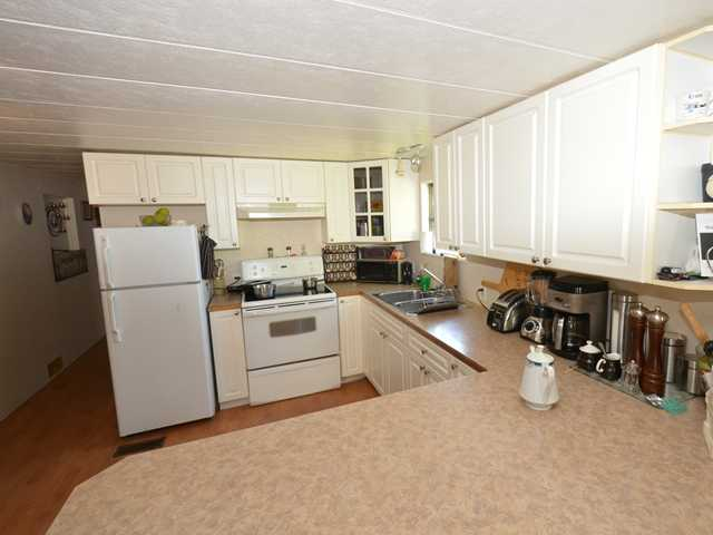 "Photo 5: 37 201 CAYER Street in Coquitlam: Maillardville Manufactured Home for sale in ""WILDWOOD PARK"" : MLS(r) # V972709"