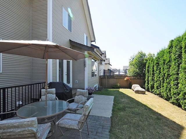 "Photo 18: 17899 70TH Avenue in Surrey: Cloverdale BC House for sale in ""Provinceton"" (Cloverdale)  : MLS(r) # F1317550"