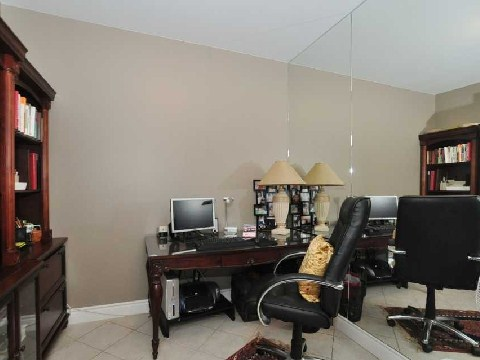 Photo 7: 77 Mcmurrich St Unit #104 in Toronto: Annex Condo for sale (Toronto C02)  : MLS(r) # C2740849