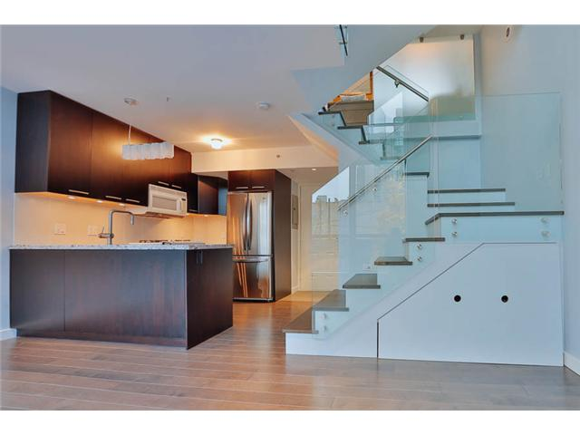 Main Photo: # 206 501 PACIFIC ST in Vancouver: Downtown VW Condo for sale (Vancouver West)  : MLS®# V1036515