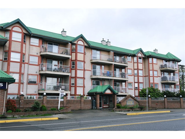 Main Photo: 213 22661 Lougheed Highway in Maple Ridge: Central Condo for sale : MLS®# v1057520