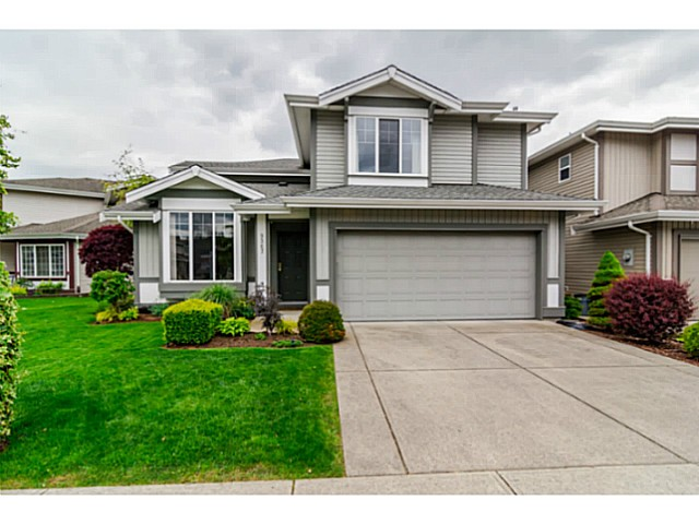 Main Photo: 9367 202a st in Langley: Walnut Grove House for sale : MLS®# F1439474