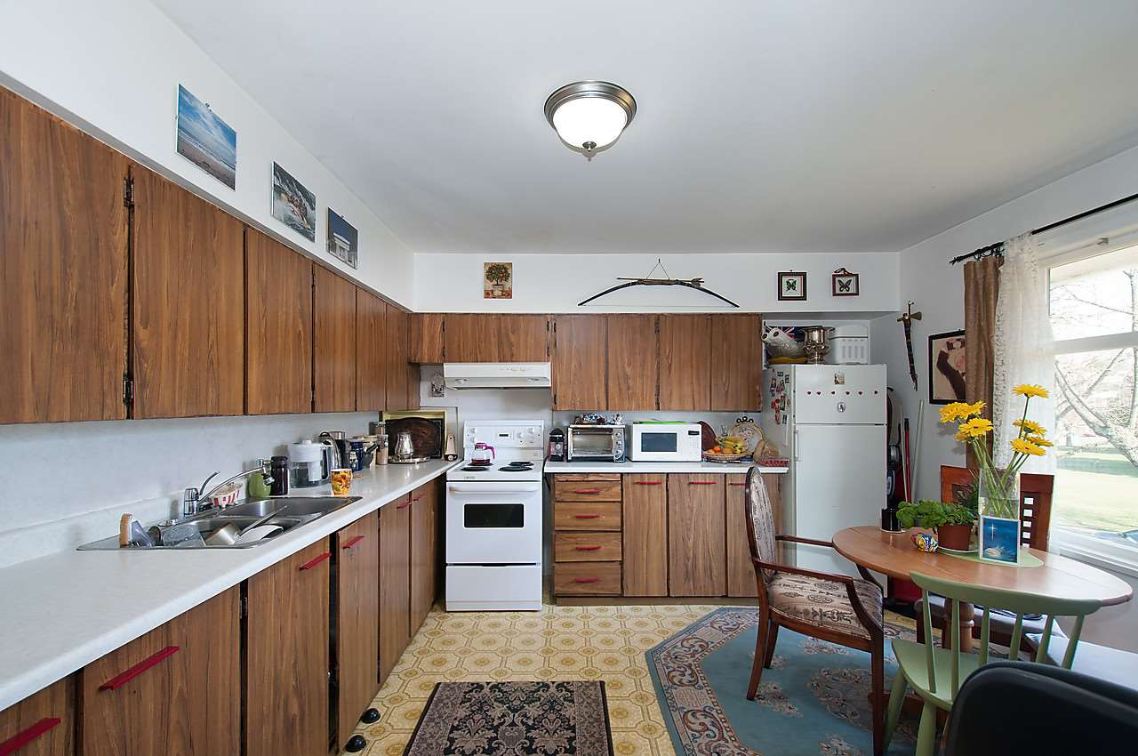 Photo 9: 2043 COLLINGWOOD STREET in Vancouver: Kitsilano House for sale (Vancouver West)  : MLS(r) # R2044911