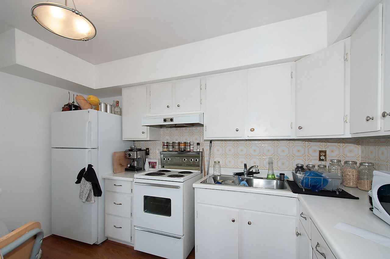 Photo 12: 2043 COLLINGWOOD STREET in Vancouver: Kitsilano House for sale (Vancouver West)  : MLS® # R2044911