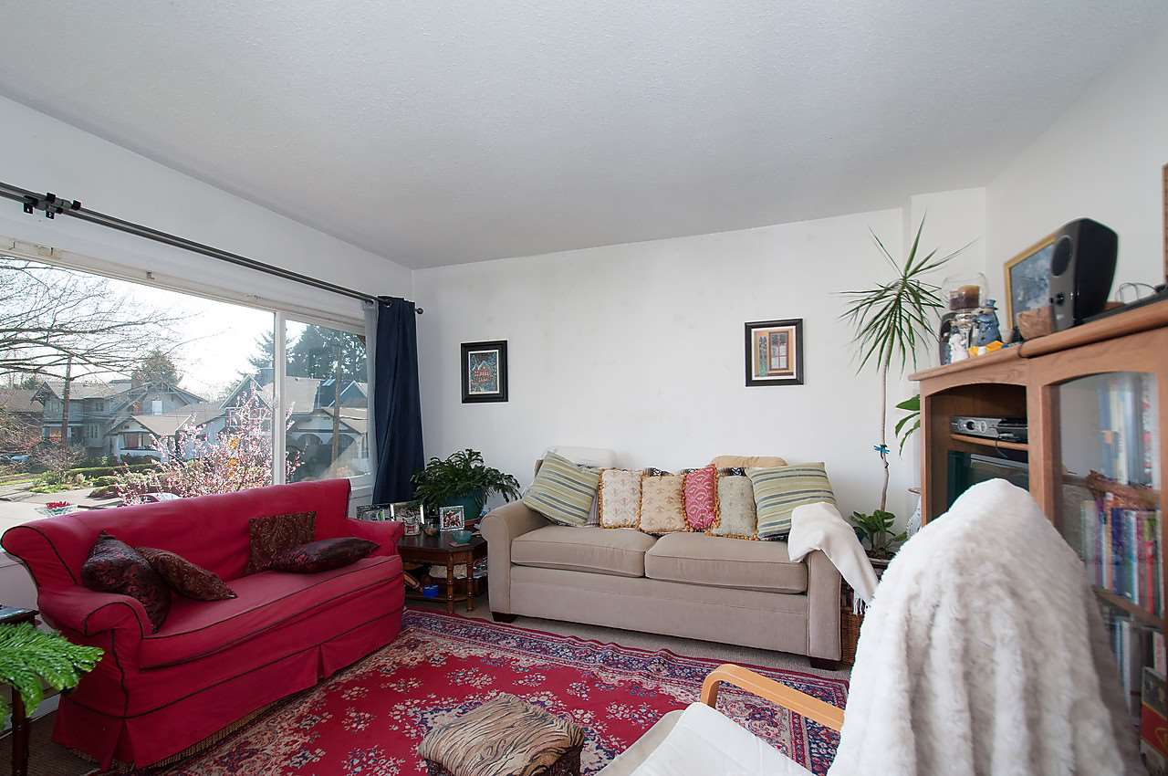 Photo 11: 2043 COLLINGWOOD STREET in Vancouver: Kitsilano House for sale (Vancouver West)  : MLS(r) # R2044911