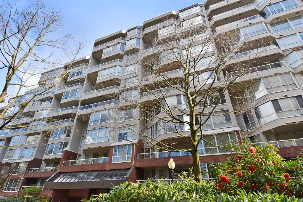 Main Photo: 601 518 MOBERLY ROAD in Vancouver: False Creek Condo for sale (Vancouver West)  : MLS(r) # R2047447
