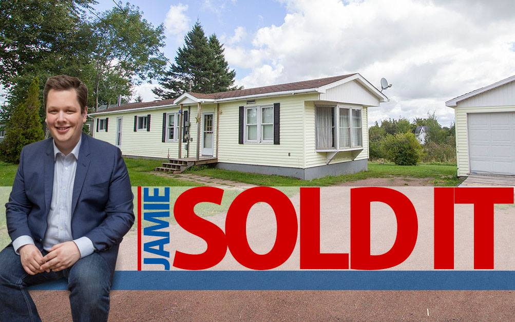 Main Photo: 19 Coronation Avenue: Sackville House for sale : MLS® # M107267