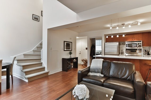 Photo 4: 21 Earl St Unit #119 in Toronto: North St. James Town Condo for sale (Toronto C08)  : MLS(r) # C3695047