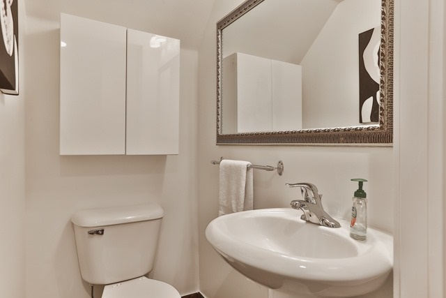 Photo 6: 21 Earl St Unit #119 in Toronto: North St. James Town Condo for sale (Toronto C08)  : MLS(r) # C3695047