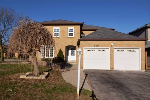FEATURED LISTING: 639 Foxwood Trail Pickering