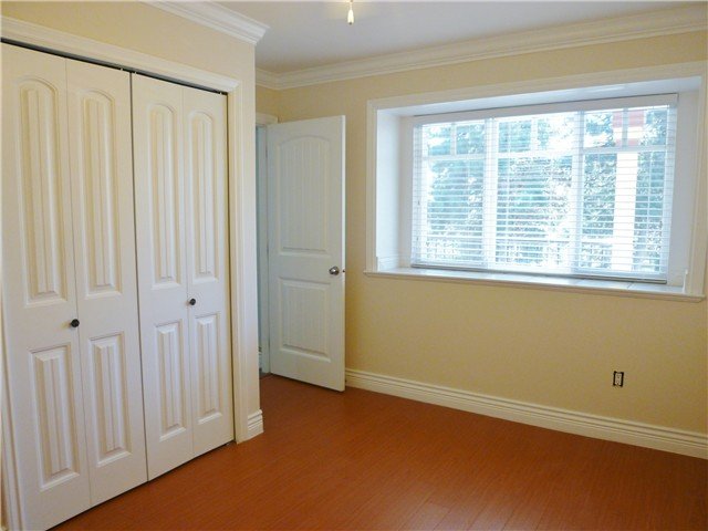Photo 9: 530 16TH ST in : Uptown NW House 1/2 Duplex for sale : MLS(r) # V966975