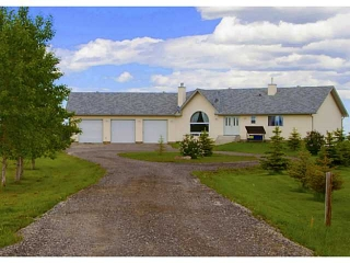 Main Photo: 100 5054 274 Avenue W in DE WINTON: Rural Foothills M.D. Residential Detached Single Family for sale : MLS(r) # C3575148