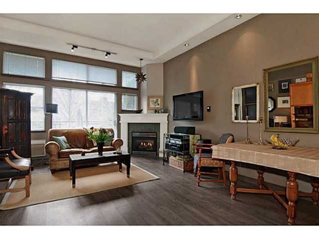 "Photo 3: # 104 131 W 3RD ST in North Vancouver: Lower Lonsdale Condo for sale in ""Seascape"" : MLS(r) # V1024848"