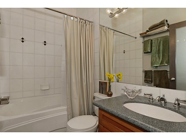 "Photo 10: # 104 131 W 3RD ST in North Vancouver: Lower Lonsdale Condo for sale in ""Seascape"" : MLS(r) # V1024848"