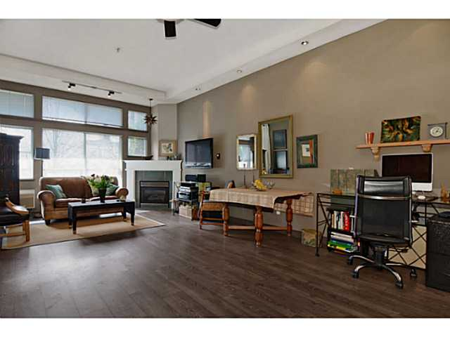 "Photo 4: # 104 131 W 3RD ST in North Vancouver: Lower Lonsdale Condo for sale in ""Seascape"" : MLS(r) # V1024848"