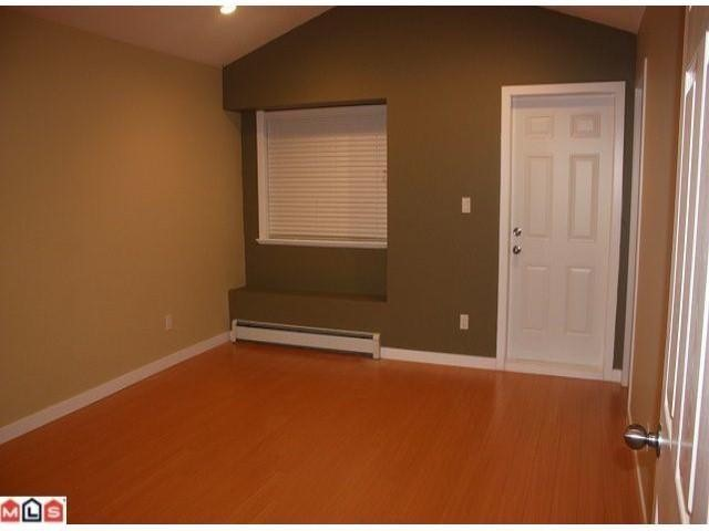 Photo 3: 9904 132 St in Surrey: House Duplex for sale : MLS® # F1104143