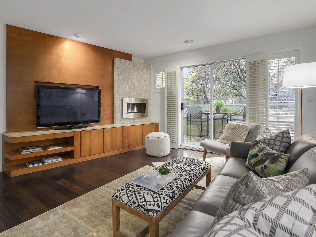 Photo 1: 2863 W 6TH AVENUE in Vancouver: Kitsilano House 1/2 Duplex for sale (Vancouver West)  : MLS(r) # R2138450