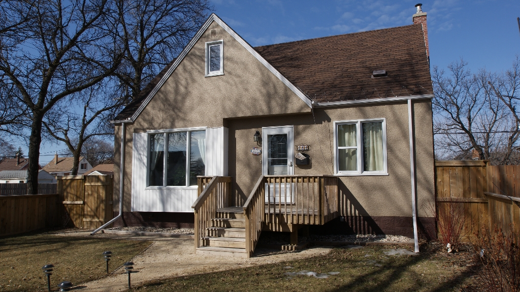 Main Photo: 111 Handyside Avenue in Winnipeg: St Vital Residential for sale (South East Winnipeg)  : MLS® # 1202668
