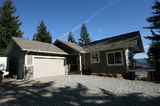 Main Photo: 2761 Sun Ridge Place in Tappen: Recline Ridge Subdivision House with Acreage for sale : MLS®# 10059566