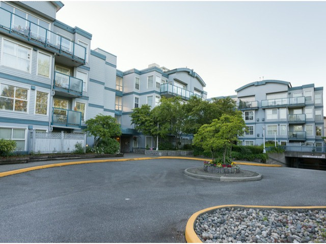 "Main Photo: 107 14885 100TH Avenue in Surrey: Guildford Condo for sale in ""THE DORCHESTER"" (North Surrey)  : MLS® # F1314897"