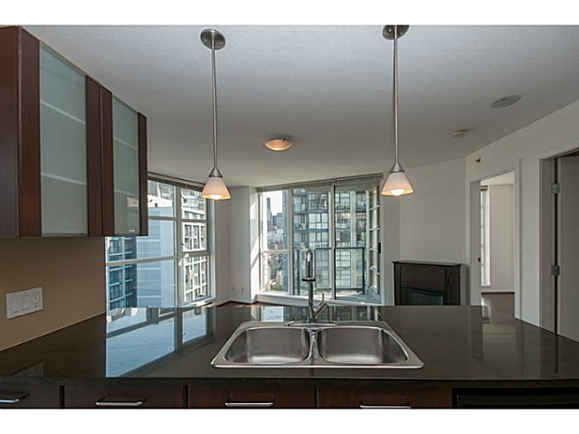 Main Photo: # 802 1199 SEYMOUR ST in Vancouver: Downtown VW Condo for sale (Vancouver West)  : MLS®# V1023183
