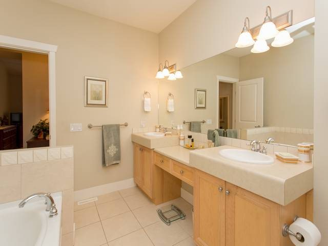 Photo 13: # 25 18088 8TH AV in Surrey: Hazelmere Condo for sale (South Surrey White Rock)  : MLS® # F1425814
