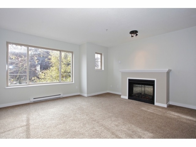 Main Photo: # 7 5388 201A ST in Langley: Langley City Condo for sale : MLS®# F1426383