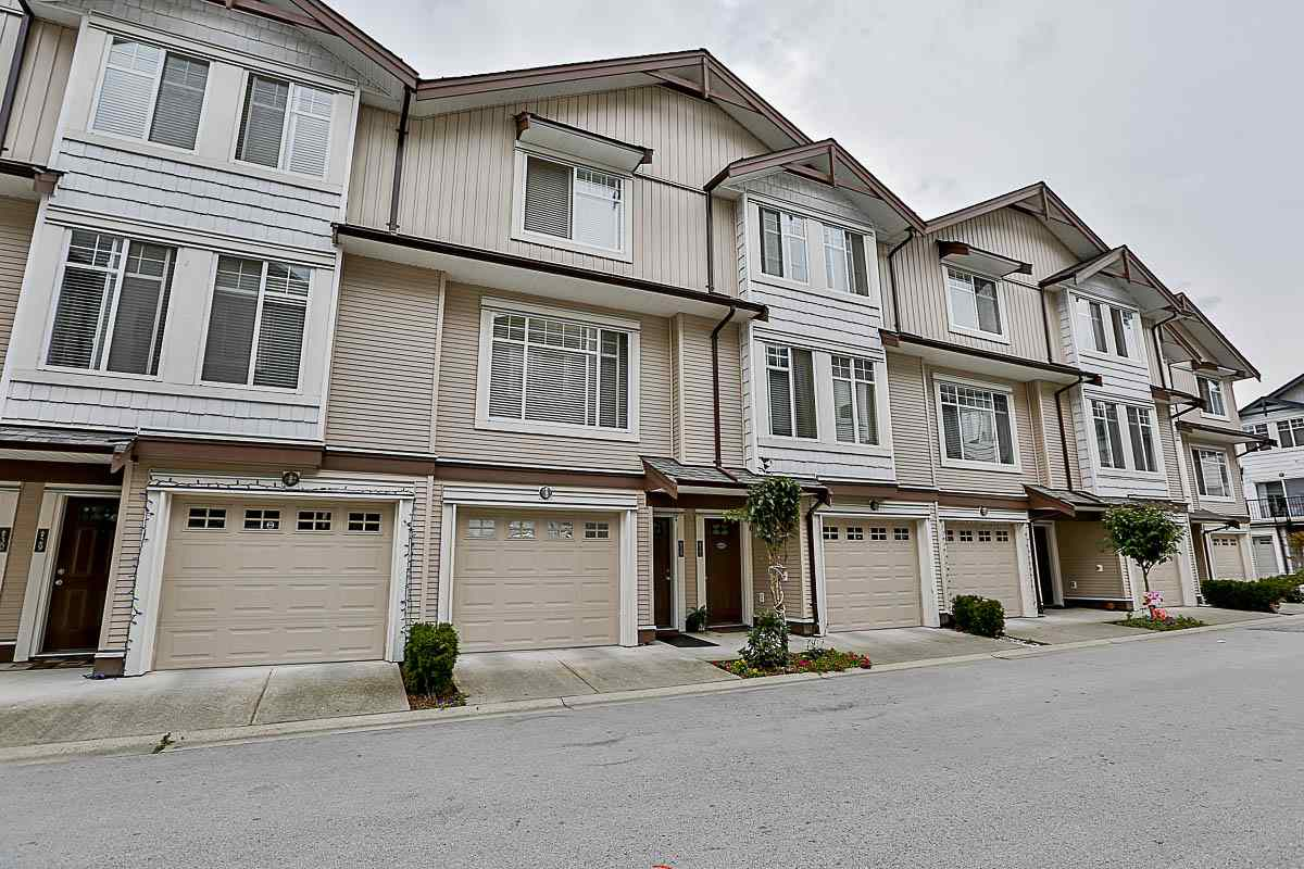 Main Photo: 27 7156 144 STREET in Surrey: East Newton Townhouse for sale : MLS® # R2101962