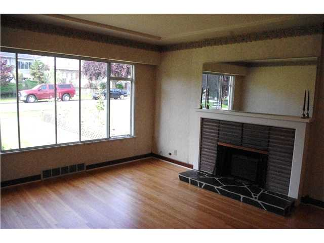 Photo 2: 150 E 62ND Avenue in Vancouver: South Vancouver House for sale (Vancouver East)  : MLS® # V960566