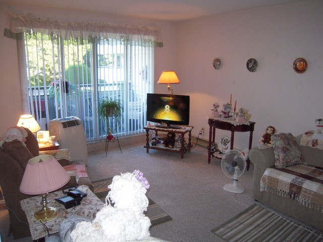 "Photo 3: 202 32950 AMICUS Place in Abbotsford: Central Abbotsford Condo for sale in ""The Haven"" : MLS® # F1321625"