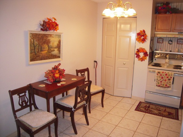 "Photo 6: 202 32950 AMICUS Place in Abbotsford: Central Abbotsford Condo for sale in ""The Haven"" : MLS® # F1321625"
