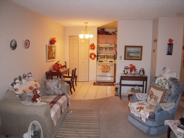 "Photo 5: 202 32950 AMICUS Place in Abbotsford: Central Abbotsford Condo for sale in ""The Haven"" : MLS® # F1321625"