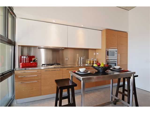Photo 4: # 406 388 W 1ST AV in Vancouver: False Creek Condo for sale (Vancouver West)  : MLS(r) # V1069546
