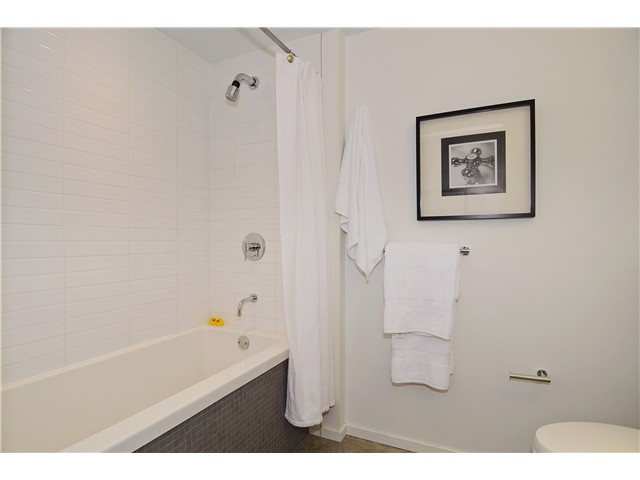 Photo 13: # 406 388 W 1ST AV in Vancouver: False Creek Condo for sale (Vancouver West)  : MLS(r) # V1069546