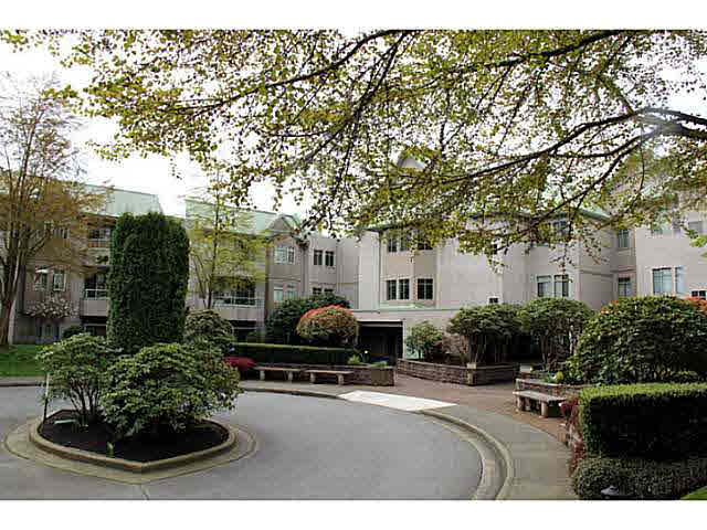 Main Photo: 216 6735 STATION HILL COURT in Burnaby: South Slope Condo for sale (Burnaby South)  : MLS® # V1112361