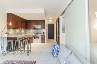 Main Photo: 206 2528 MAPLE STREET in Vancouver: Kitsilano Condo for sale (Vancouver West)  : MLS®# R2105698