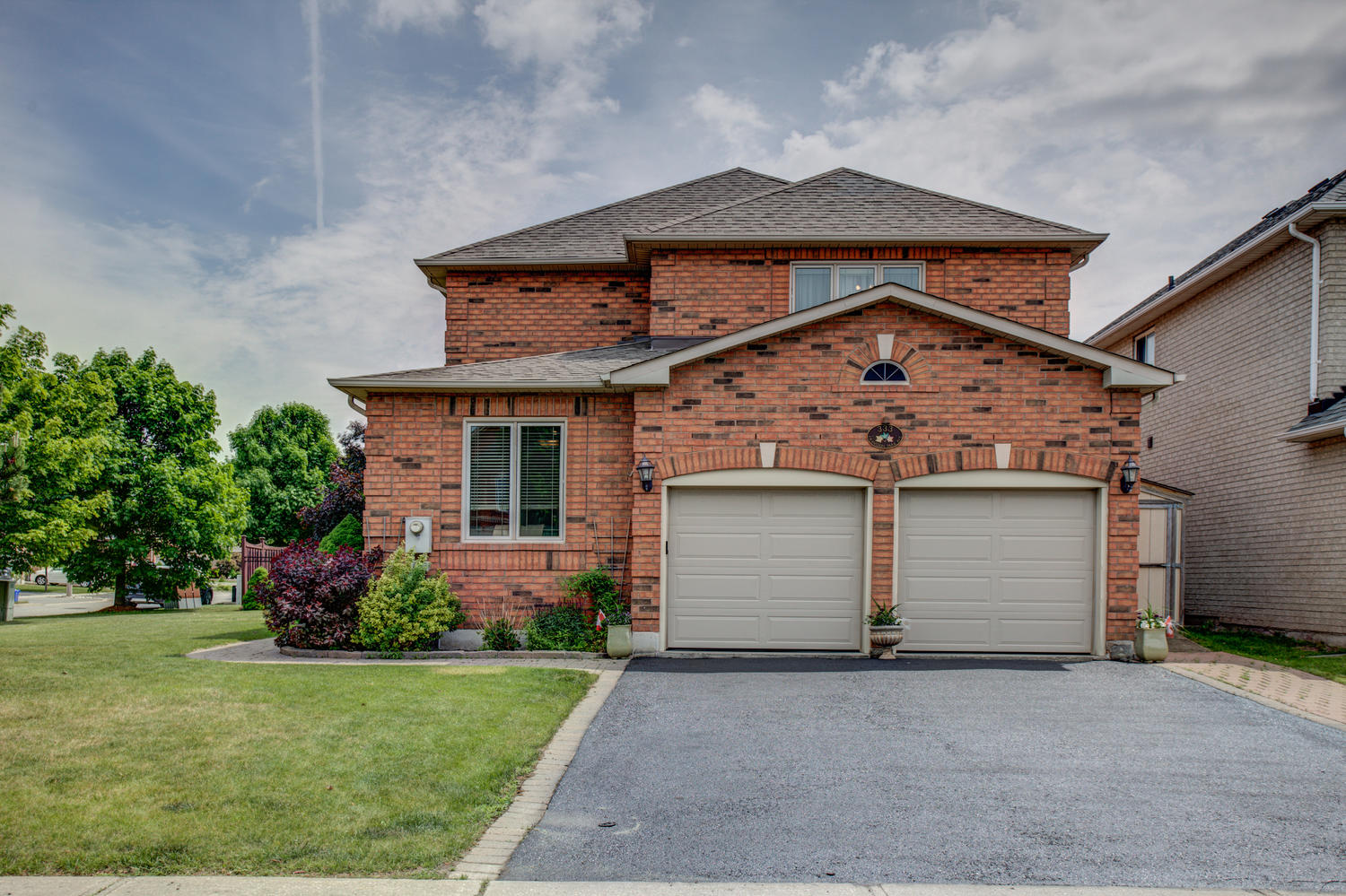Main Photo: 333 Cranston Park Avenue in Vaughan: Maple Freehold for sale