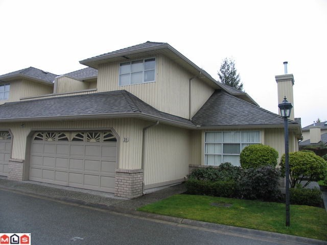 "Main Photo: 39 8560 162ND Street in Surrey: Fleetwood Tynehead Townhouse for sale in ""LAKEWOOD GREEN"" : MLS® # F1205720"