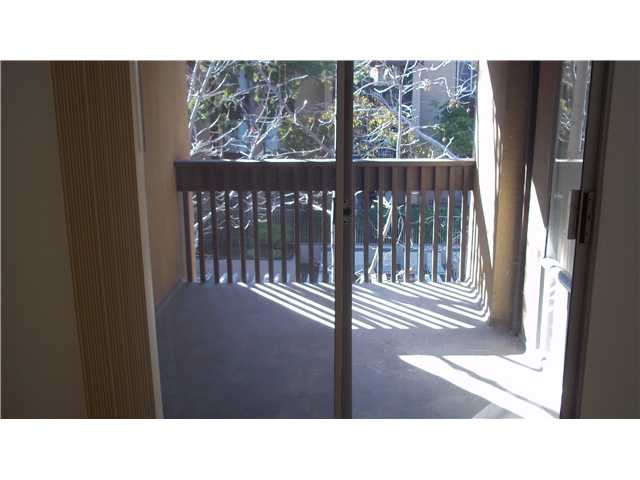 Photo 3: PACIFIC BEACH Home for sale or rent : 1 bedrooms : 1855 Diamond #332 in San Diego
