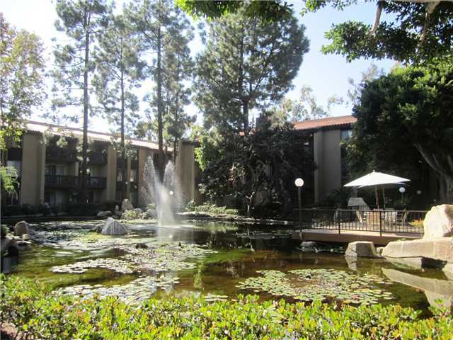 Photo 2: PACIFIC BEACH Home for sale or rent : 1 bedrooms : 1855 Diamond #332 in San Diego