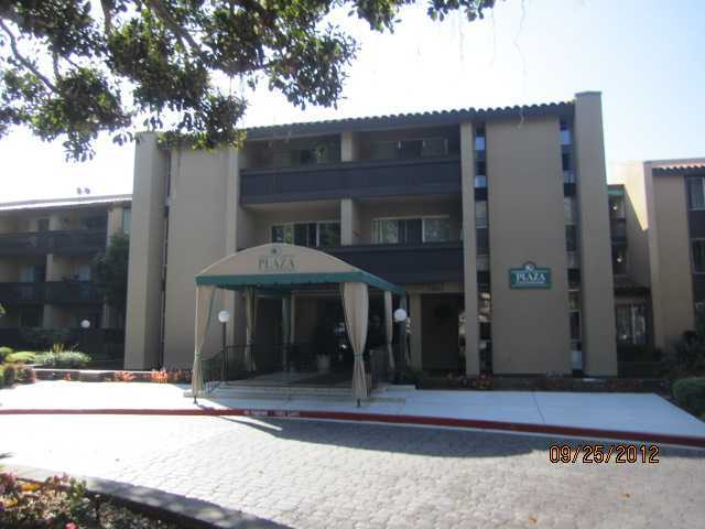 Main Photo: PACIFIC BEACH Home for sale or rent : 1 bedrooms : 1855 Diamond #332 in San Diego