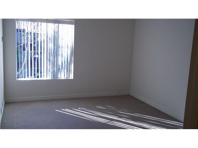 Photo 11: PACIFIC BEACH Home for sale or rent : 1 bedrooms : 1855 Diamond #332 in San Diego