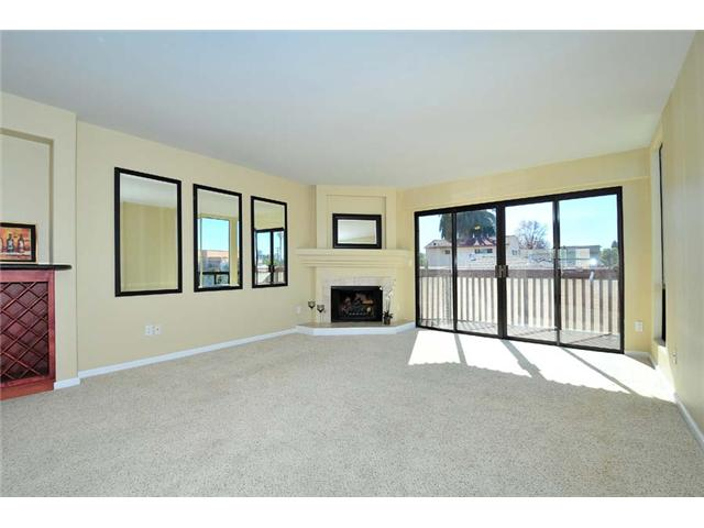 Photo 6: BAY PARK Townhome for sale : 2 bedrooms : 1927 Chicago Street #A in San Diego