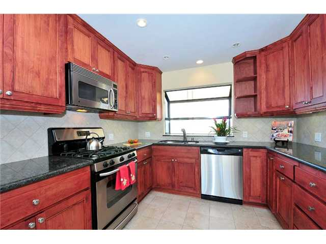 Photo 3: BAY PARK Townhome for sale : 2 bedrooms : 1927 Chicago Street #A in San Diego