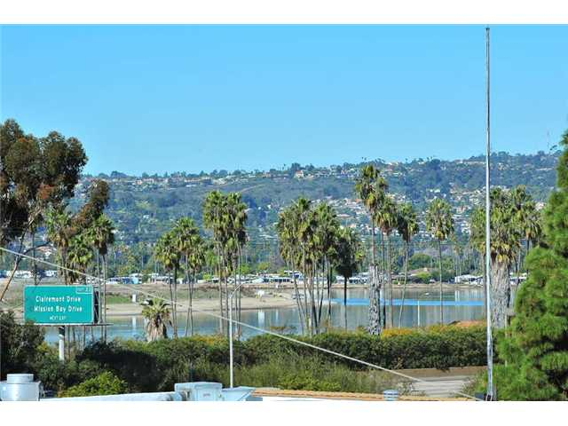 Photo 9: BAY PARK Townhome for sale : 2 bedrooms : 1927 Chicago Street #A in San Diego