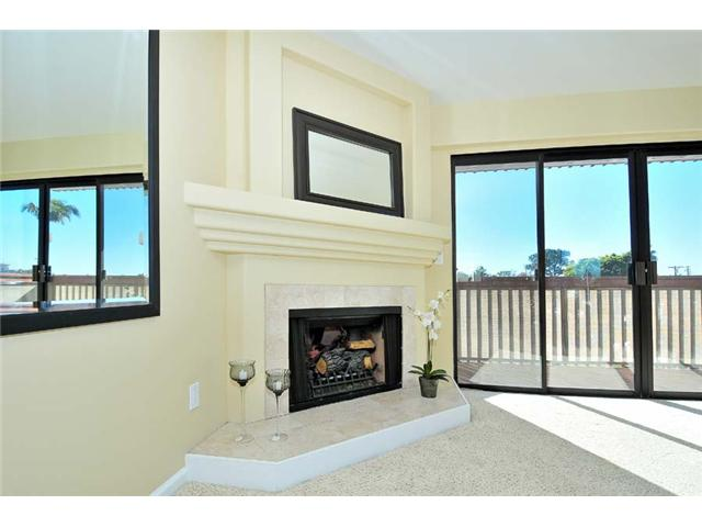 Photo 7: BAY PARK Townhome for sale : 2 bedrooms : 1927 Chicago Street #A in San Diego