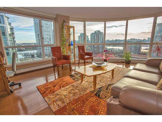 "Main Photo: 1005 283 DAVIE Street in Vancouver: Yaletown Condo for sale in ""PACIFIC PLAZA"" (Vancouver West)  : MLS®# V987240"