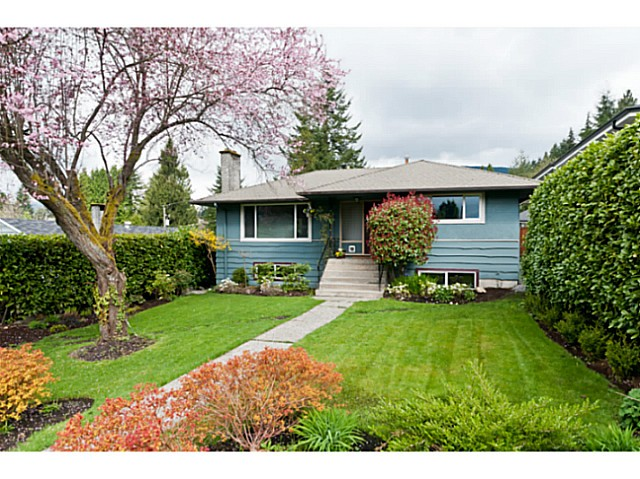 Main Photo: 358 E 22ND ST in North Vancouver: Central Lonsdale House for sale : MLS® # V1000220