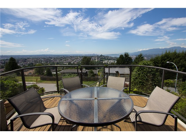 Photo 3: 280 N HYTHE AV in Burnaby: Capitol Hill BN House for sale (Burnaby North)  : MLS® # V1016342
