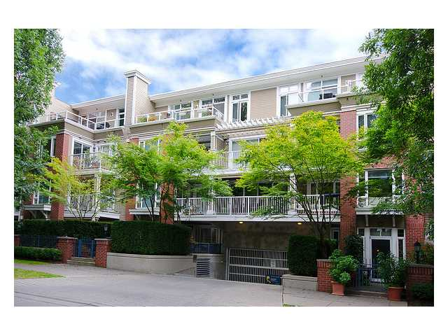 "Main Photo: 309 2628 YEW Street in Vancouver: Kitsilano Condo for sale in ""Connaught Place"" (Vancouver West)  : MLS® # V1022787"